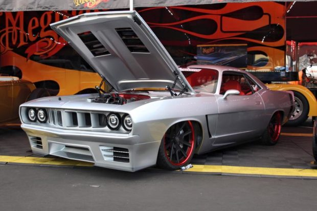 1971 Barracuda with a Viper V10