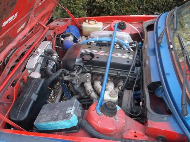 1983 BMW 320i with a 2.0 L BEAMS inline-four