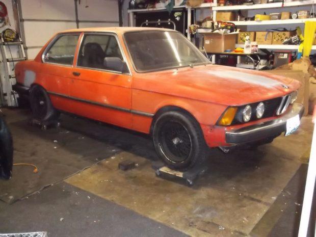1983 BMW 320i with a 2.0 L BEAMS inline-four