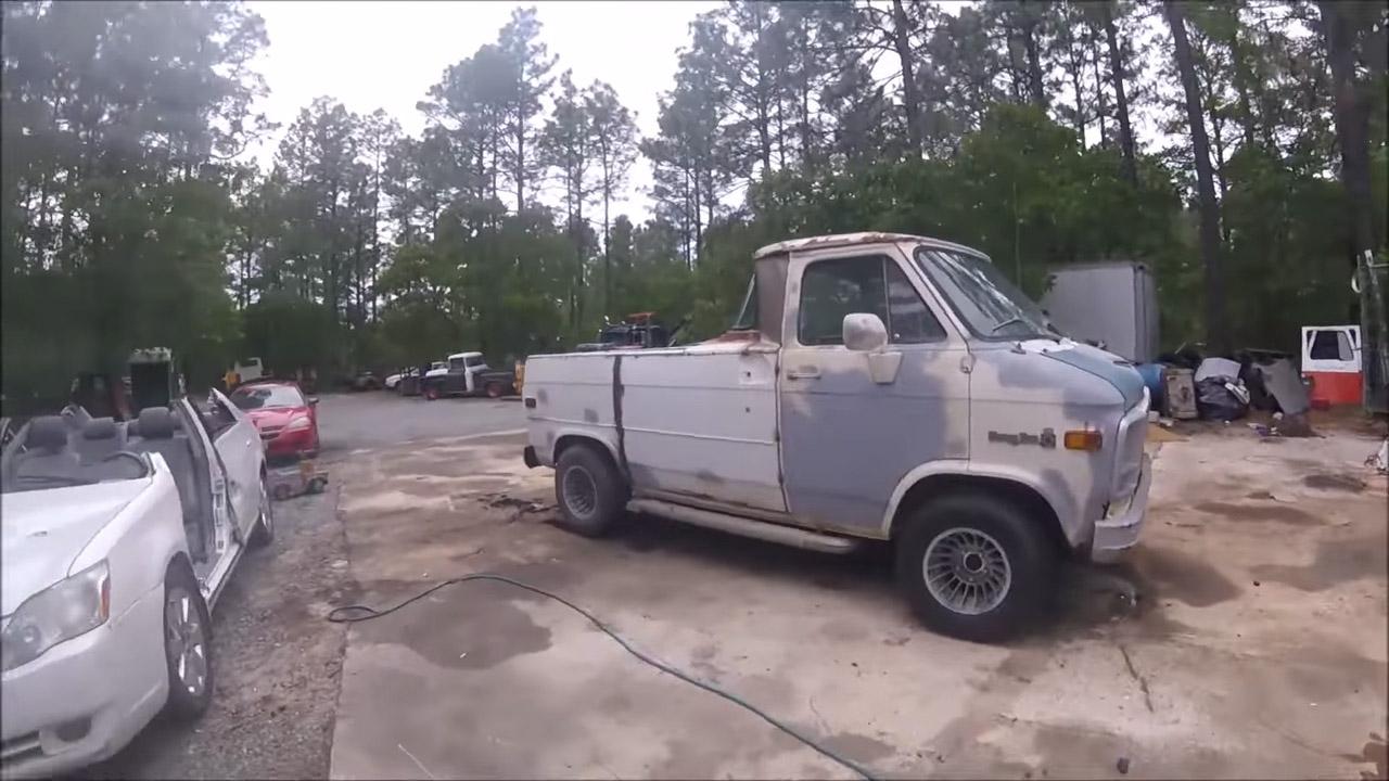 Vanamino Chevy Van with a LSx V8