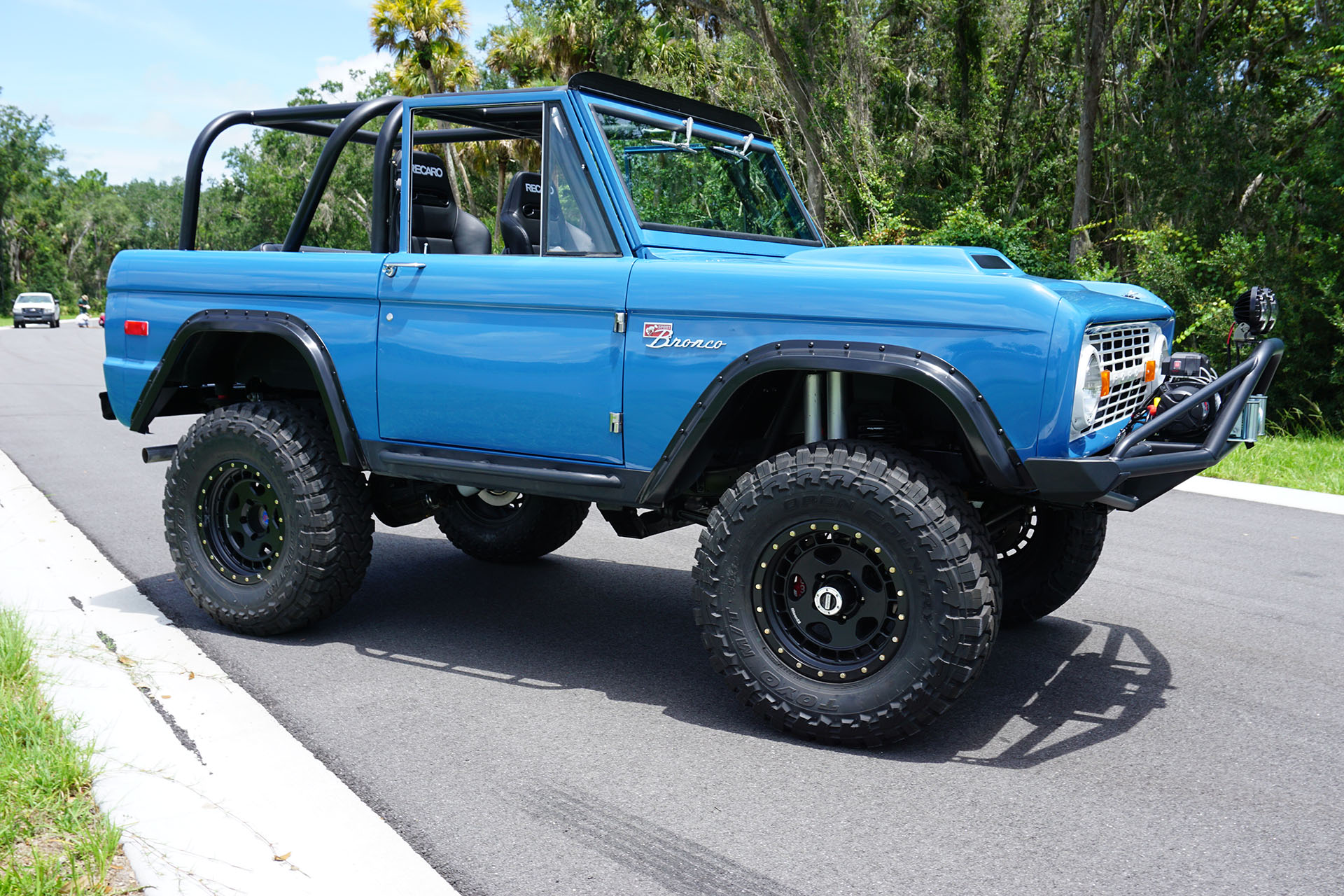 Ford Bronco with a Coyote V8 – Engine Swap Depot