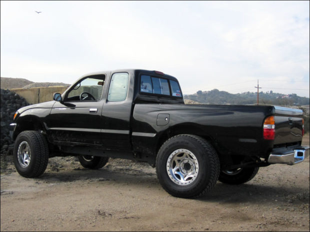 Toyota Tacoma with a 1UZ V8 – Engine Swap Depot