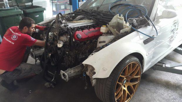 BMW M3 E46 with a Viper V10