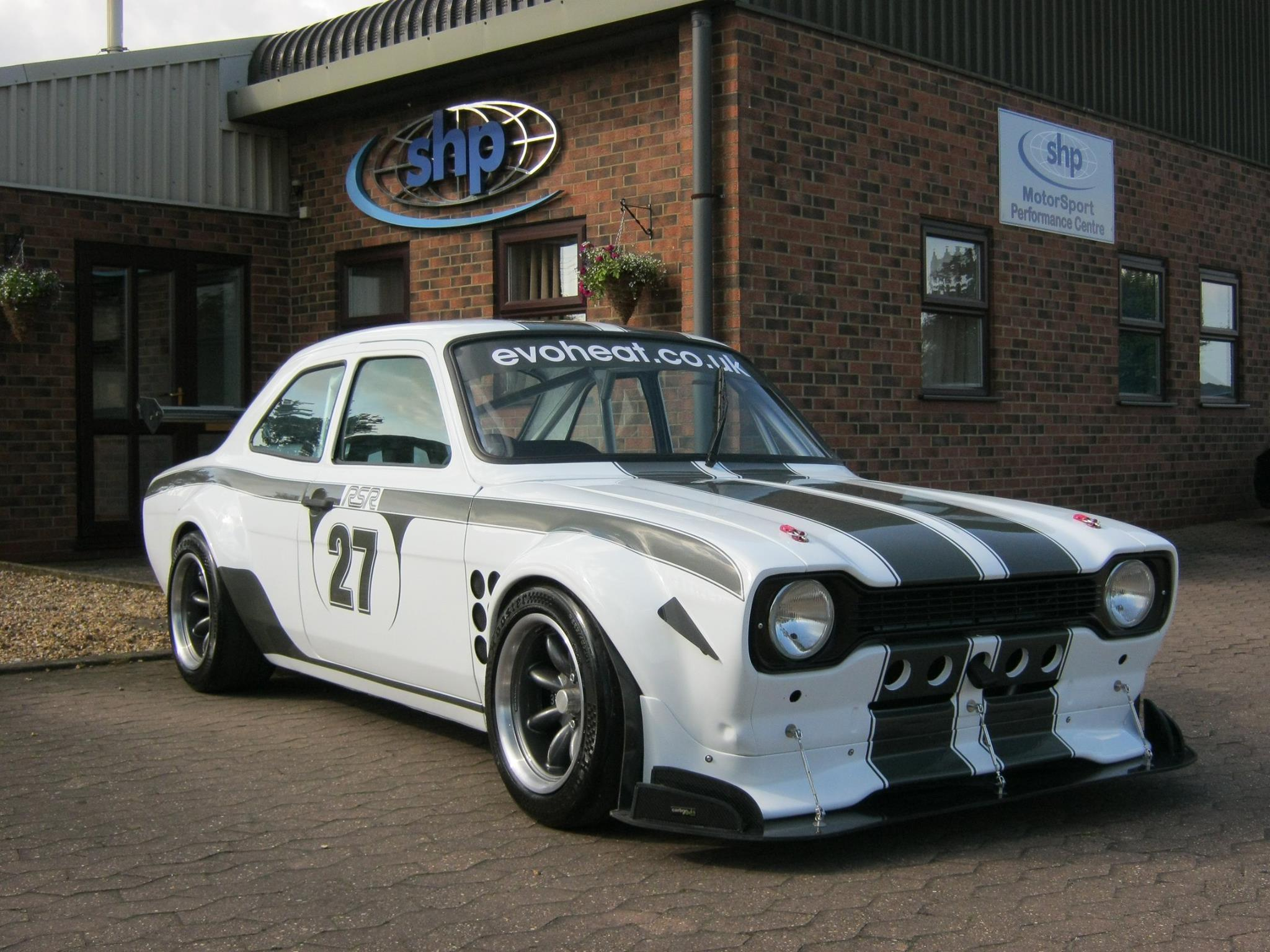Escort RSR with a Hayabusa V8 – Engine Swap Depot