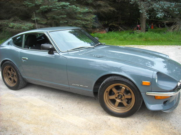 1972 Datsun 240Z with a BMW S38 inline-six