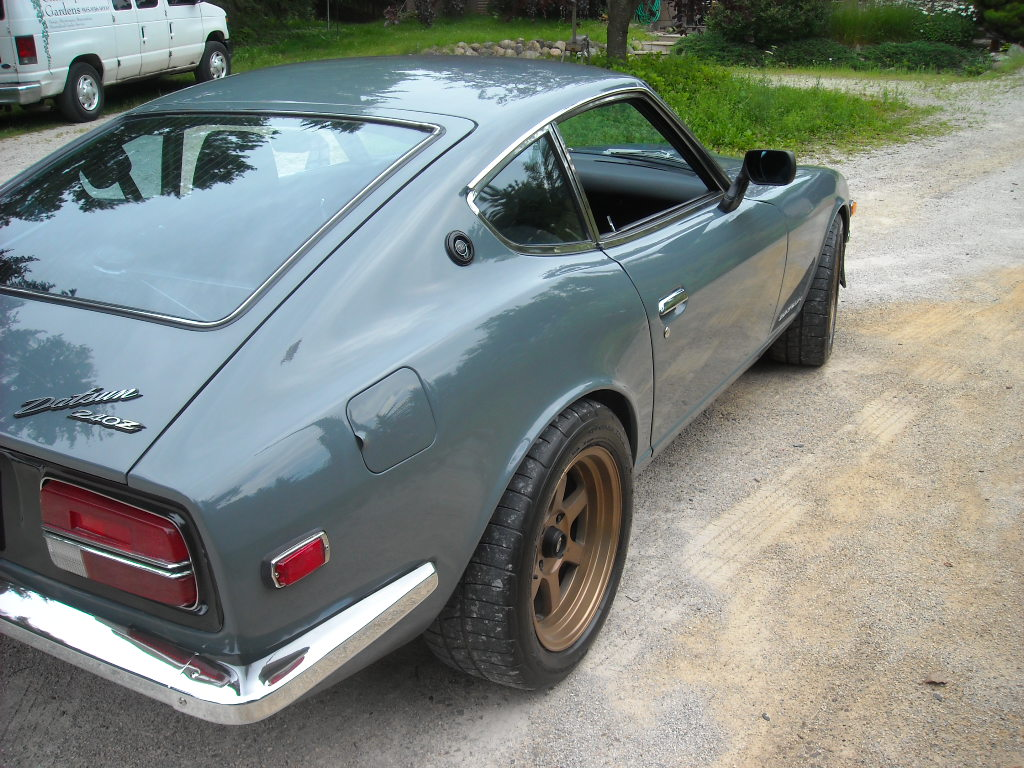 Datsun 240Z with a BMW Inline-Six – Engine Swap Depot