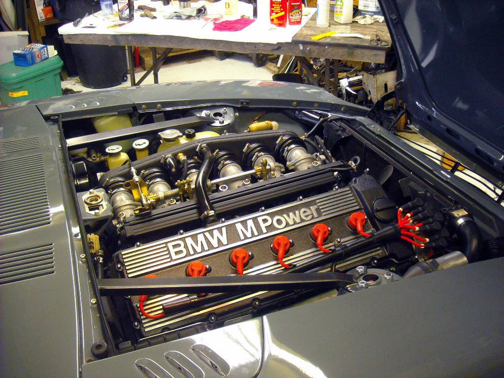 Datsun 240Z with a BMW Inline-Six – Engine Swap Depot