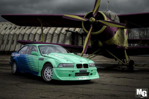 1992 BMW E36 with a M73 V12