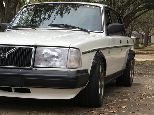 1989 Volvo 240 with a Ford 5.0 V8