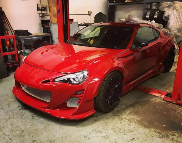 Toyota GT86 with a SR20DET Inline-Four