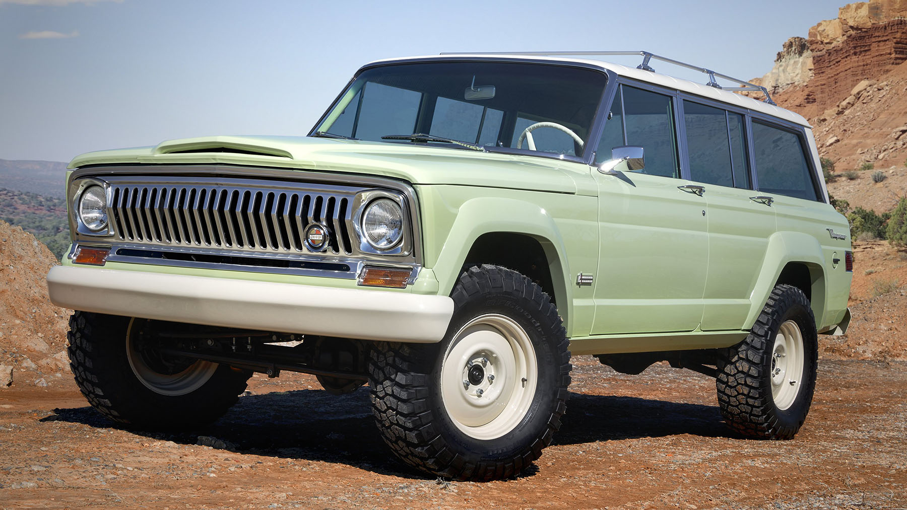 1965 Jeep Wagoneer With A Hemi V8 Engine Swap Depot Amc And Transmissions Unveiled Their Easter Safari Concepts One Stand Out Was The Luxury 44 Rides On Boxed Frame Stretched Five Inches