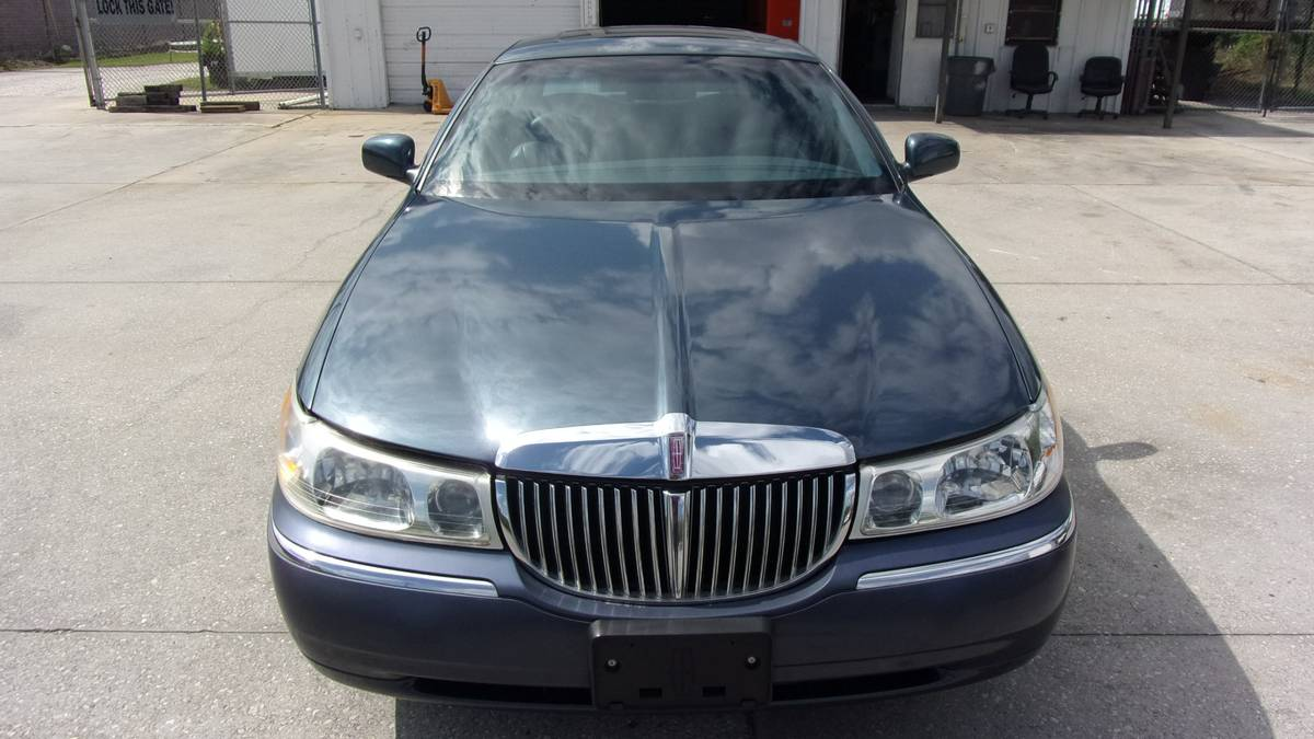 For Sale 1998 Lincoln Town Car With Supercharged 5 0 L V8 Engine Swap Depot