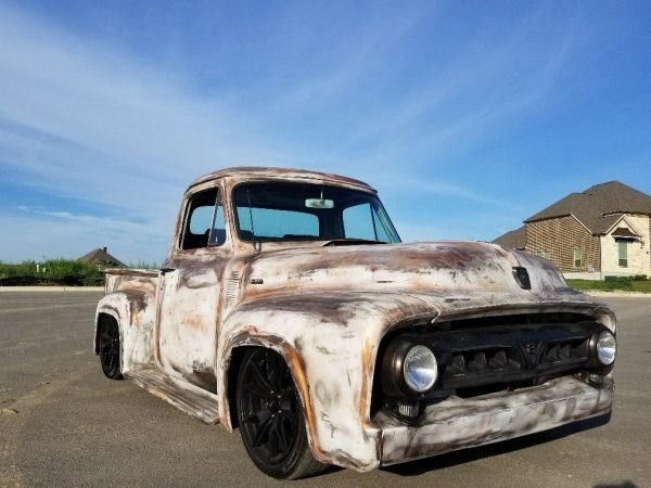 1953 Ford F-100 with a 5.0 L Coyote V8