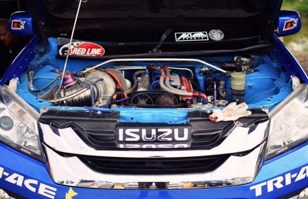 Isuzu D-Max with a Turbo 2JZ Inline-Six