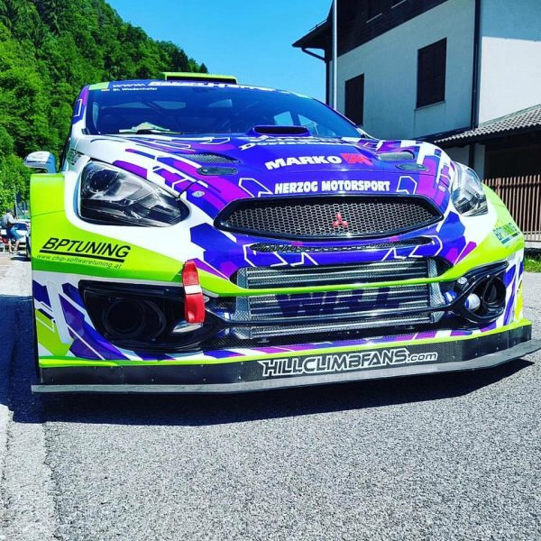 Mitsubishi Mirage R5 with a Turbo 4G63 Inline-Four