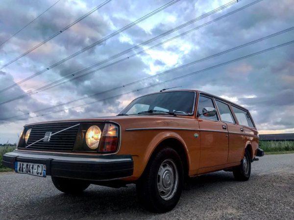 1974 Volvo 245L with a 1UZ V8