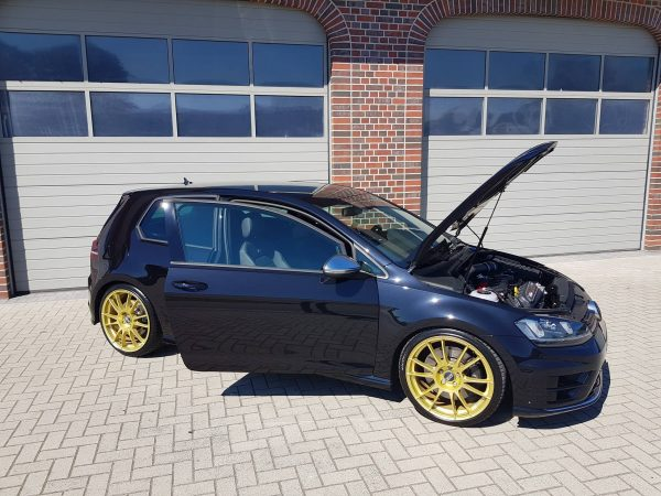 Golf R Mk7 with a 2.5 L TFSI Inline-Five