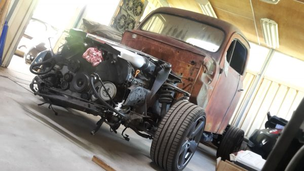 1950 Ford Truck with Audi RS6 twin-turbo V8 and 4WD drivetrain