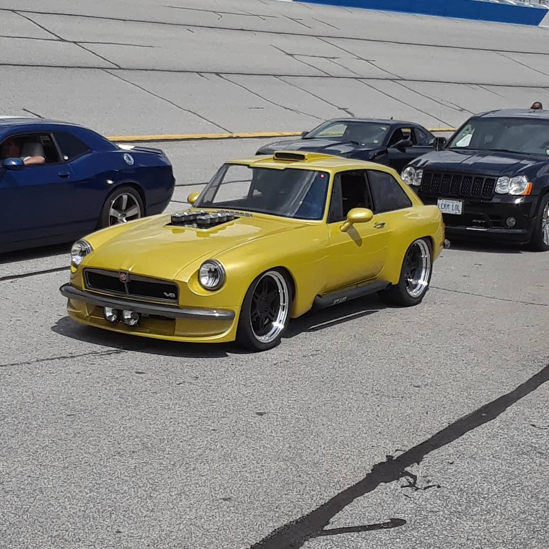 1974 MGB GT with a Coyote V8 – Engine Swap Depot