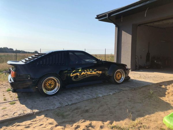 Toyota AE86 with a 7.4 L LSx V8