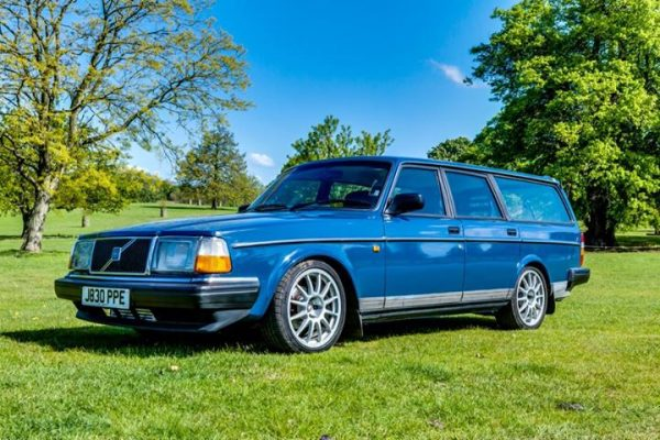 Volvo 240 with a turbo 1UZ V8