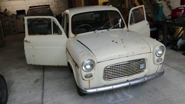 1959 Ford Prefect 100E on a MX-5 Chassis