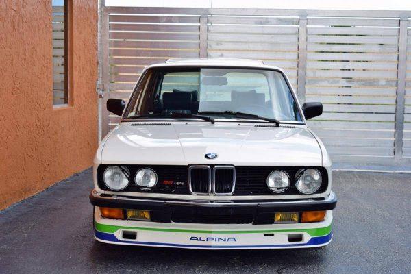 1988 BMW 535i with a M30B35 Inline-Six