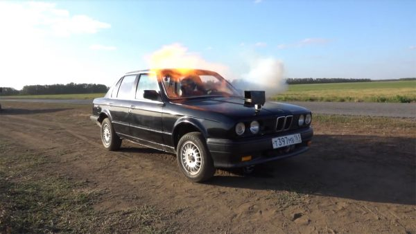 BMW E30 with a TS-21 turbine