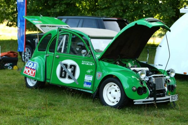Citroen 2CV6 with a Supercharged BMW Flat-Twin