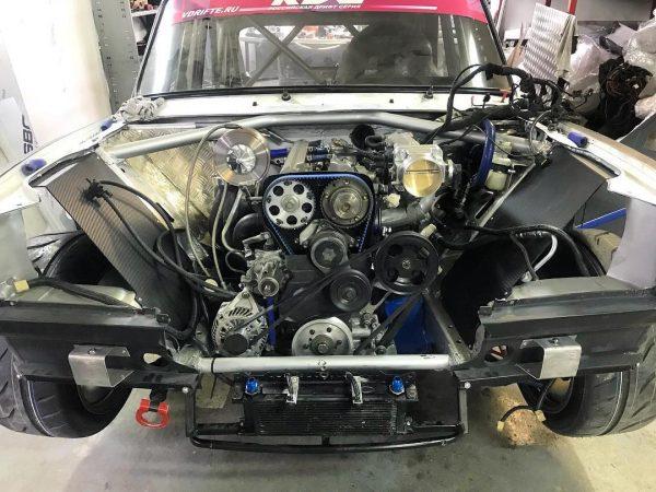 Lada 2105 with a turbo 2JZ inline-six