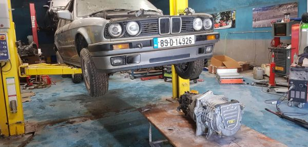 BMW E30 with i3 electric motor