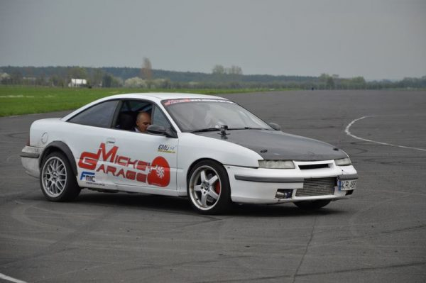 RWD Opel Calibra with a Twin-Turbo C25XE V6