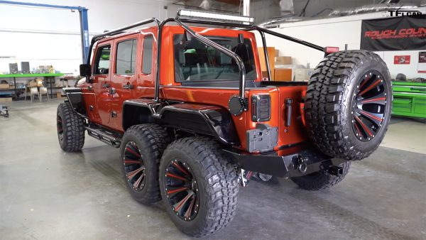 Jeep Wrangler 6x6 with a supercharged Hellcat V8