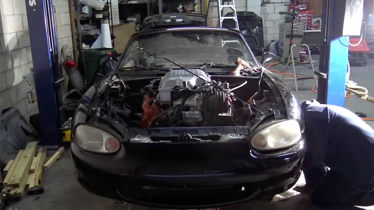 Building a Mazda Miata with a Hellcat Supercharged V8