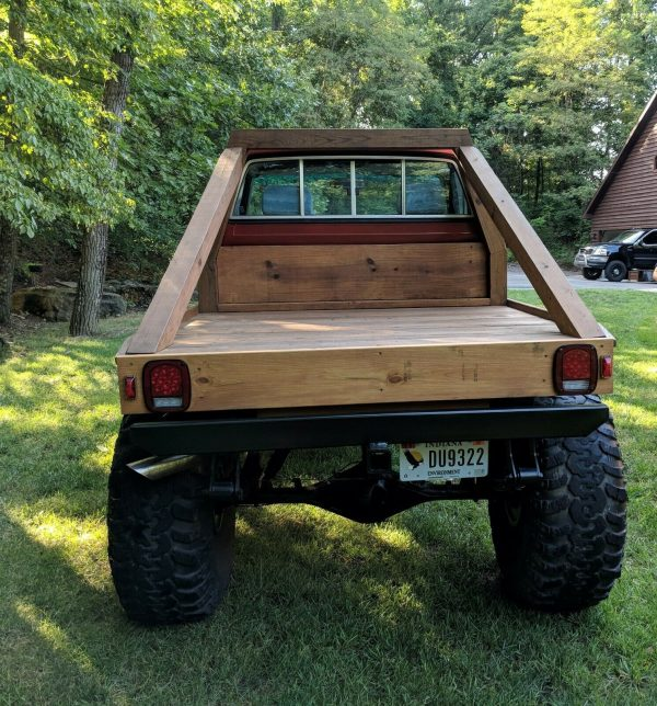 1985 Toyota truck with a 7M-GE inline-six