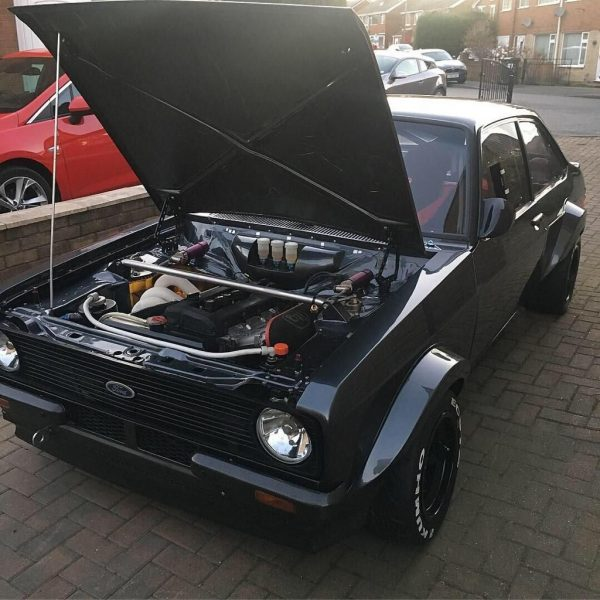 Ford Escort with a 2.0 L Duratec inline-four