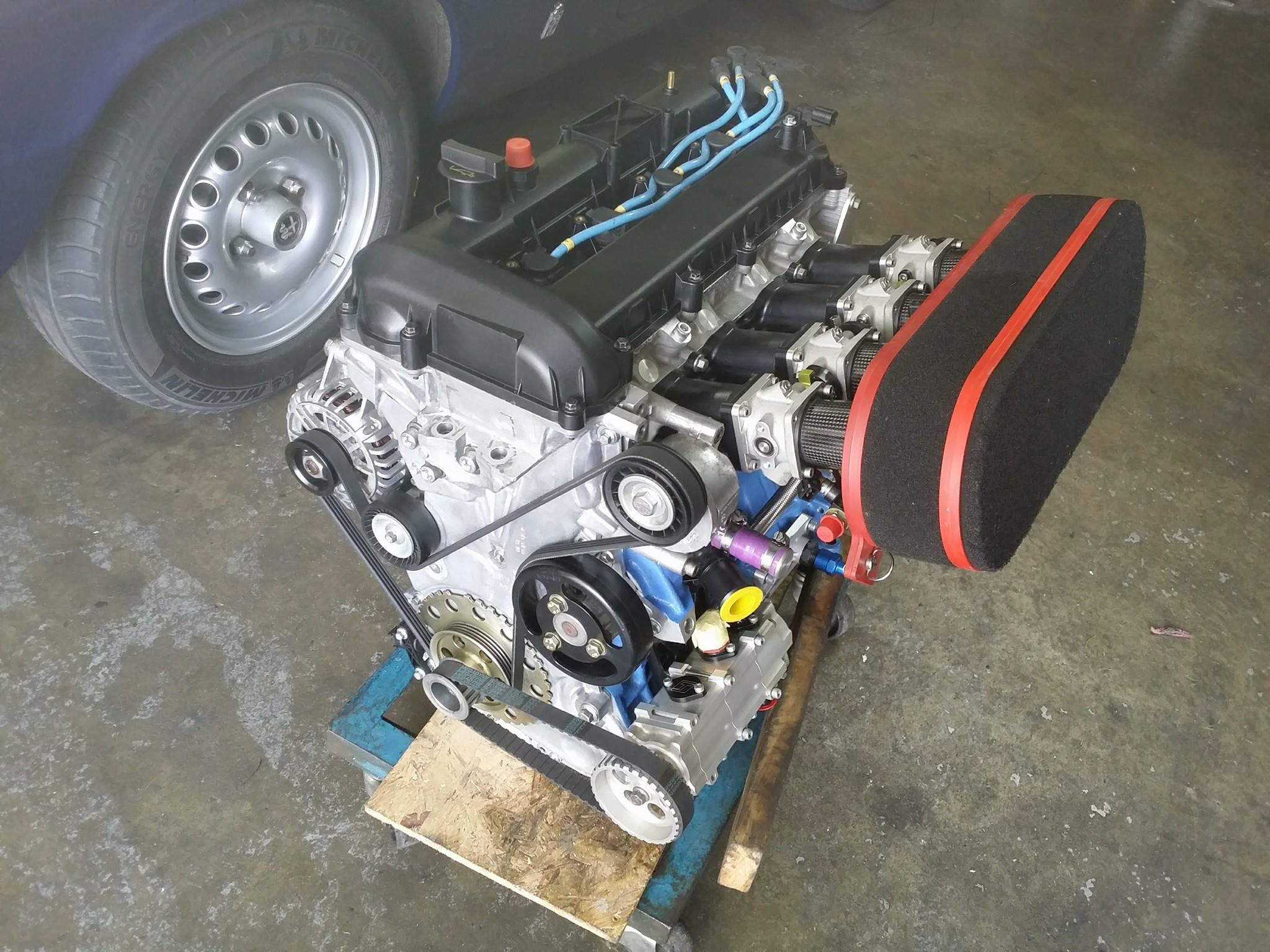Ford Focus Mk1 With A 2 3 L Duratec Inline