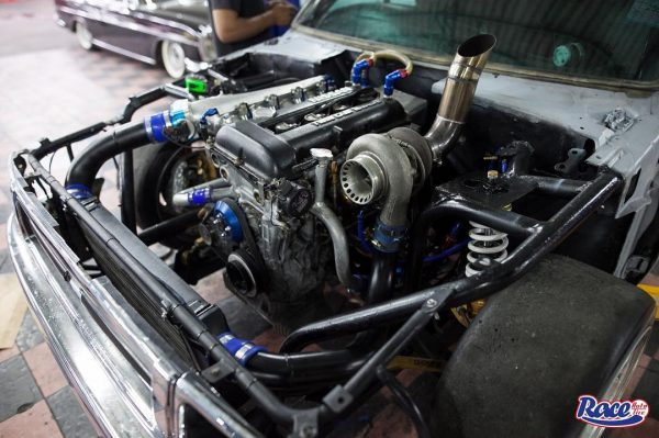 Toyota Hilux Mighty-X with a turbo SR20DET inline-fou