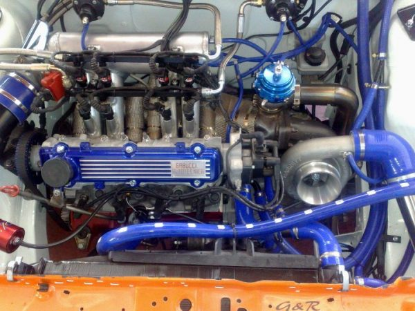 Fiat Uno with a turbo Lancia inline-four