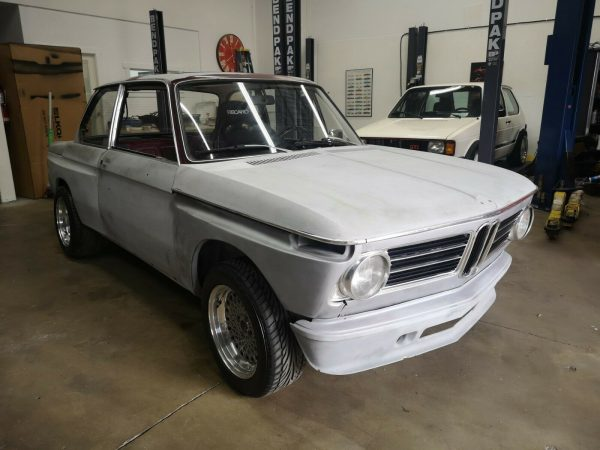 1972 BMW 2002 with a Honda F20 inline-four