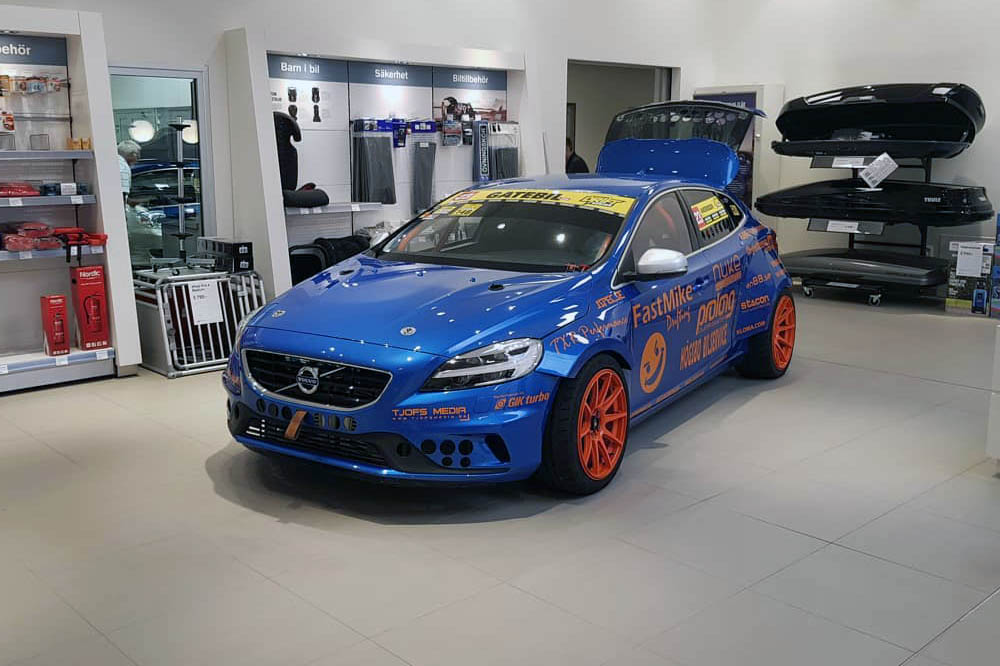 Rwd Volvo V40 With A Twin Turbo Bmw V8 Engine Swap Depot