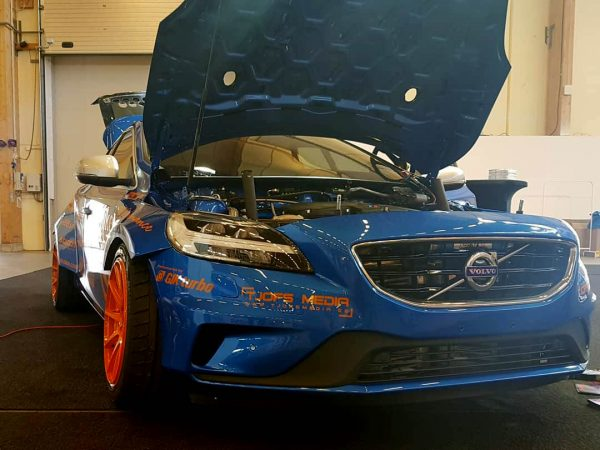 RWD Volvo V40 with a Twin-Turbo BMW S62 V8
