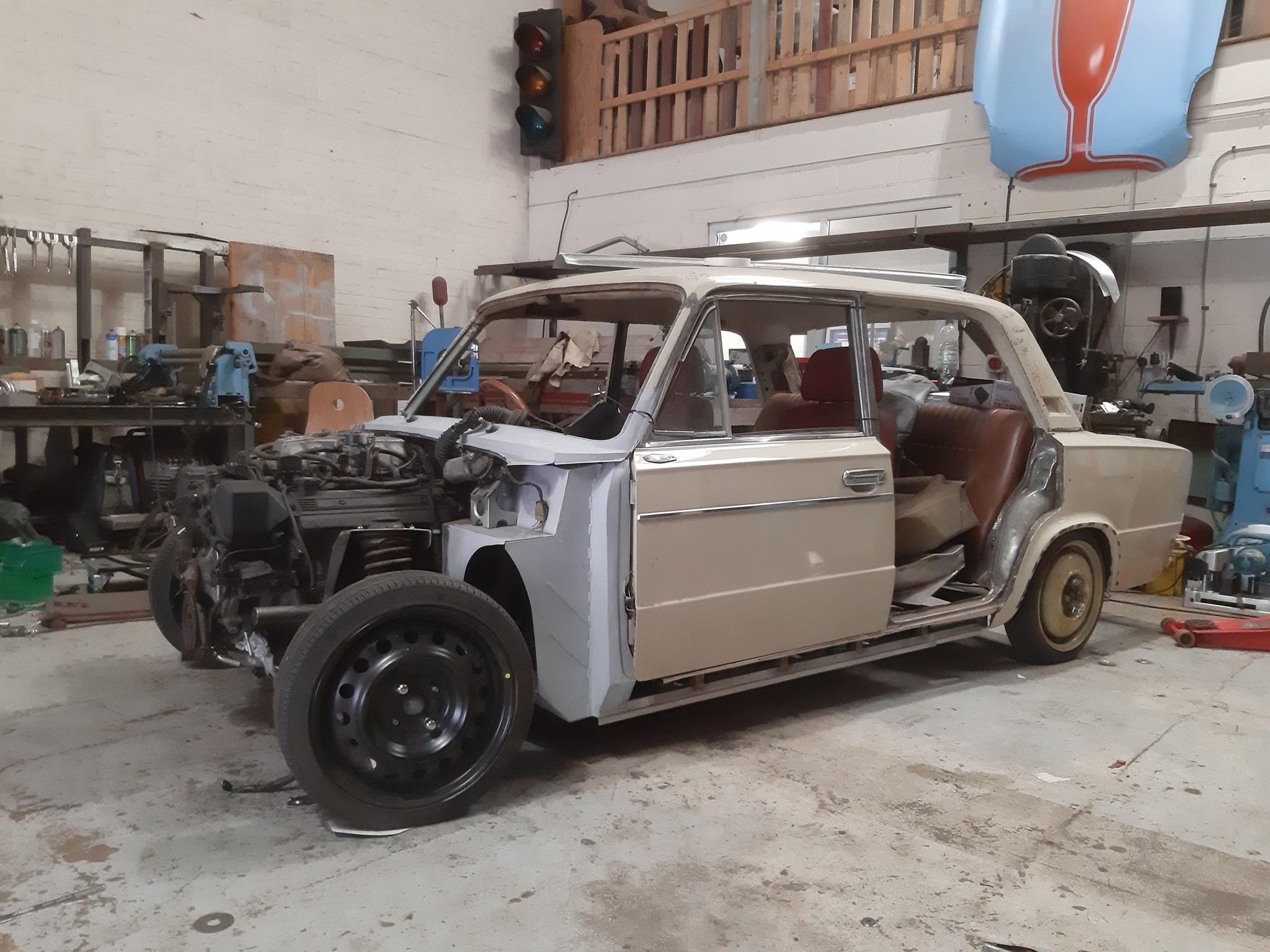 Lada 2103 with a 1UZ V8 and tubular chassis