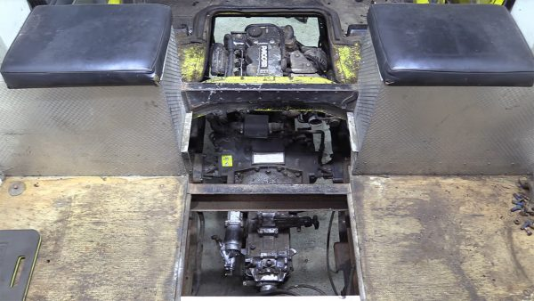 Project Escargo 1985 Ford Cargo with a Cummins 3.9 L Inline-Four