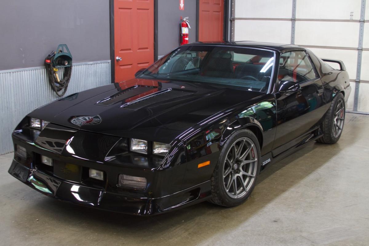 20+ 1991 Camaro Z28 Black