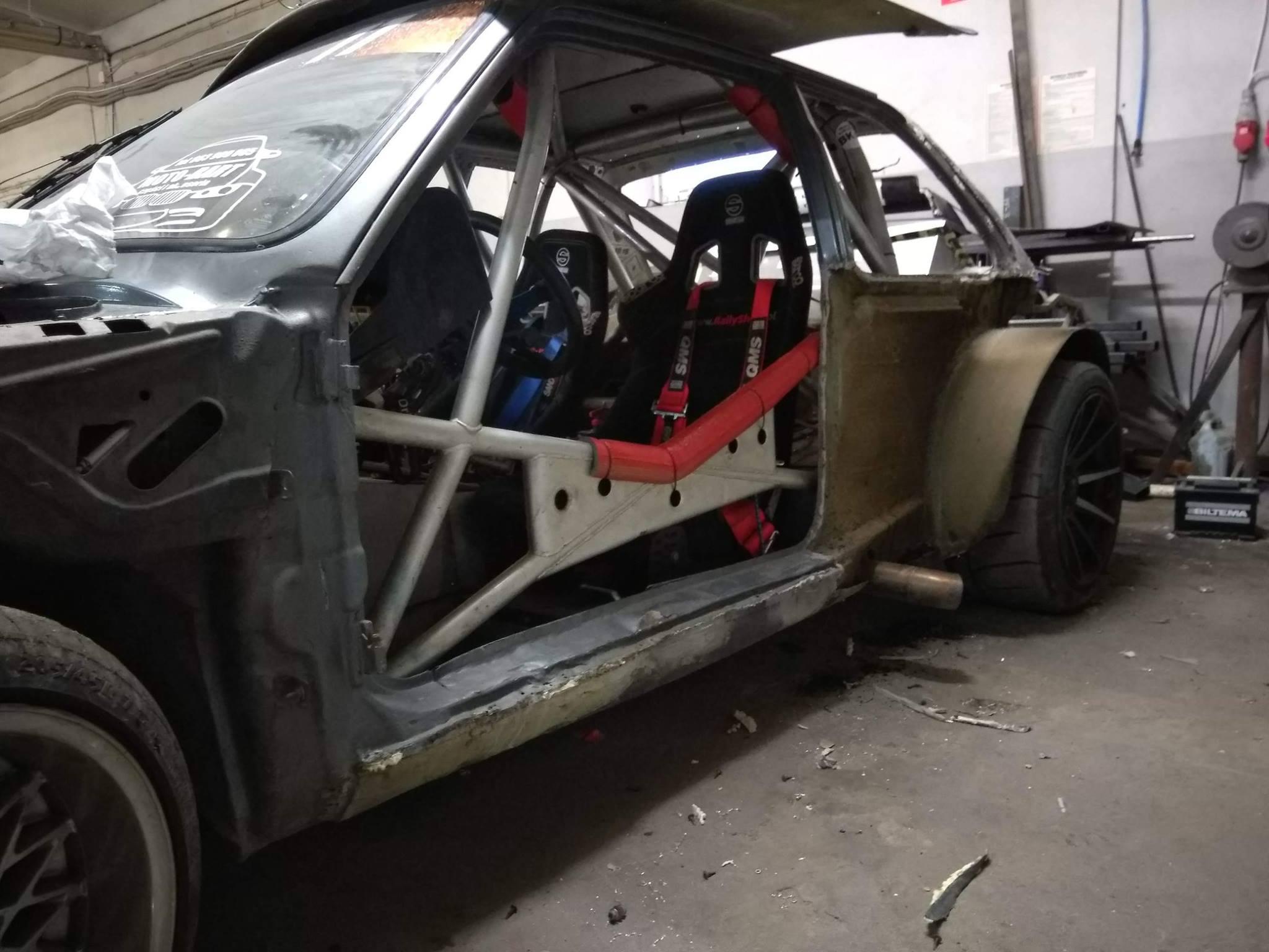 For Sale Drift Bmw E30 With A 454 Lsx V8 Engineswapdepot Com