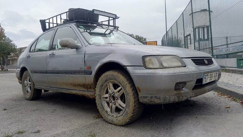 Off-Road Civic with a 1.6 L D16 Inline-Four and AWD drivetrain