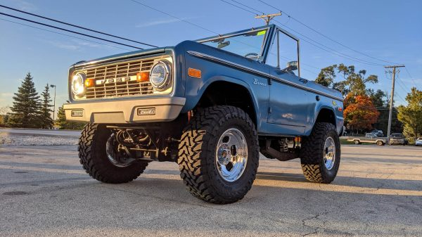 1969 Ford Bronco with a Twin-Turbo 4.2 L Ecoboost V6