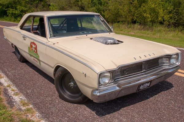 1967 Dodge Dart with a Supercharged Hellcat V8