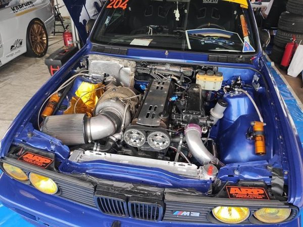 Vidar Jødahl's BMW E30 M3 with a turbo 2JZ inline-six